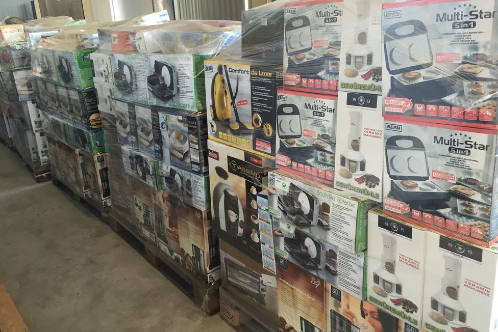 Job lot small household and kitchen appliances for sale for Whole kitchen for sale